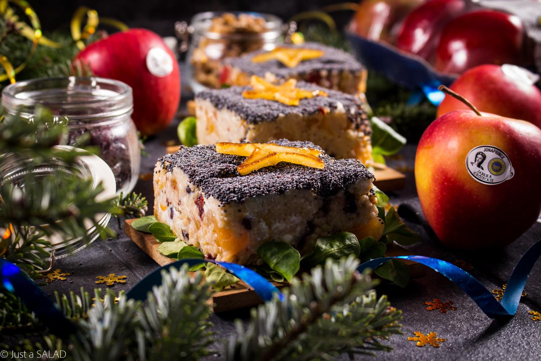 GWIAZDY LIDLA. Sałatka z karmelizowanymi jabłkami, mandarynkami, kaszą jaglaną, żurawiną, kozim serem, orzechami włoskimi i makiem.